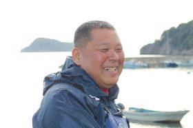 島の海苔漁師さん